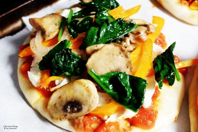 Naan Pizza 1