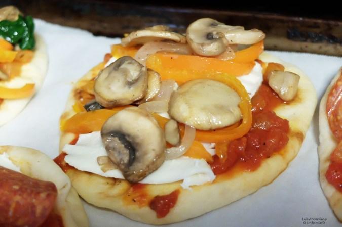 Naan Pizza 2