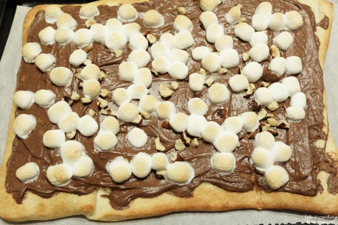 Nutella Dessert Pizza 4