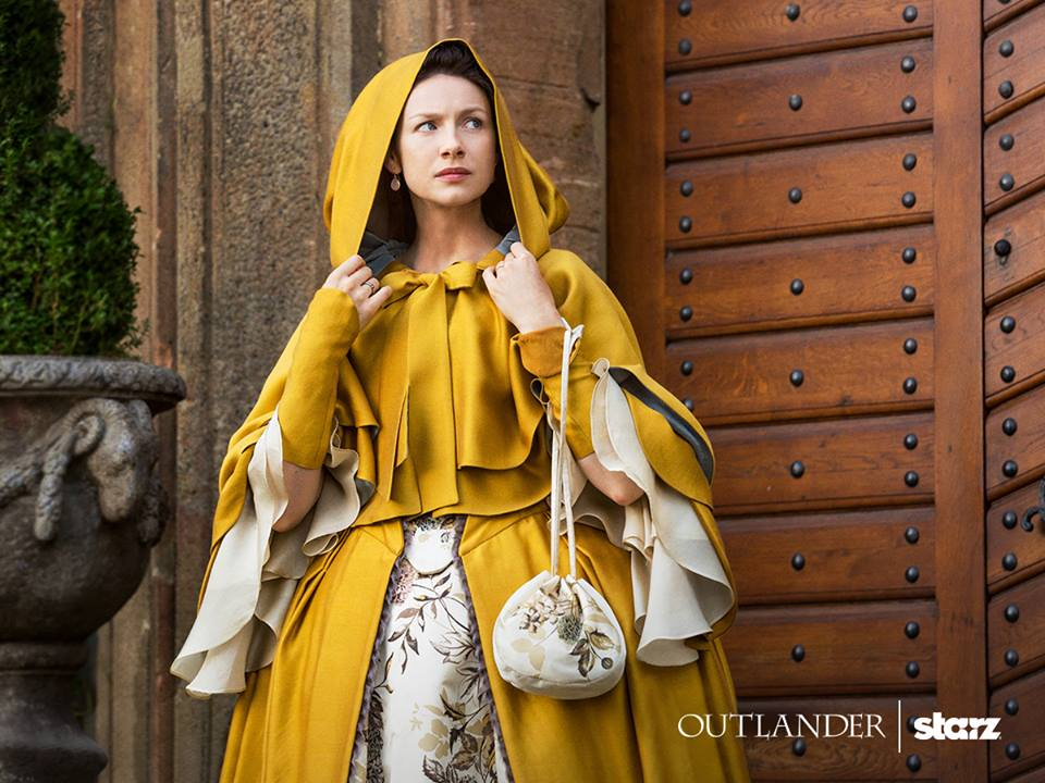 Caitriona Balfe wears Terry Dresbach's yellow cloak in Outlander, season 2 (2016)