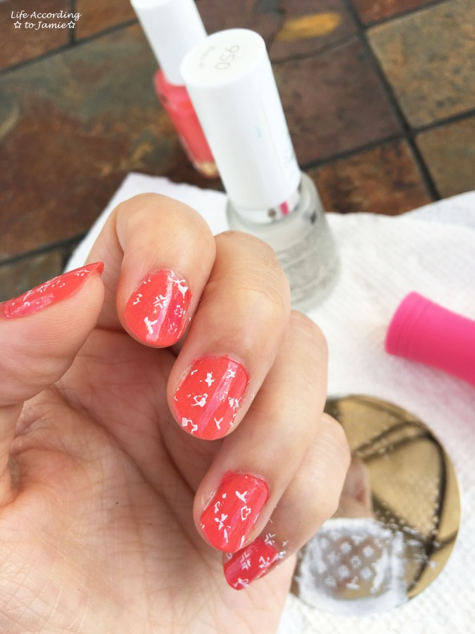 essie-sunday-funday-t-nail-stamp-1
