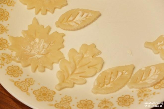 leaf-pie-crust-cutouts
