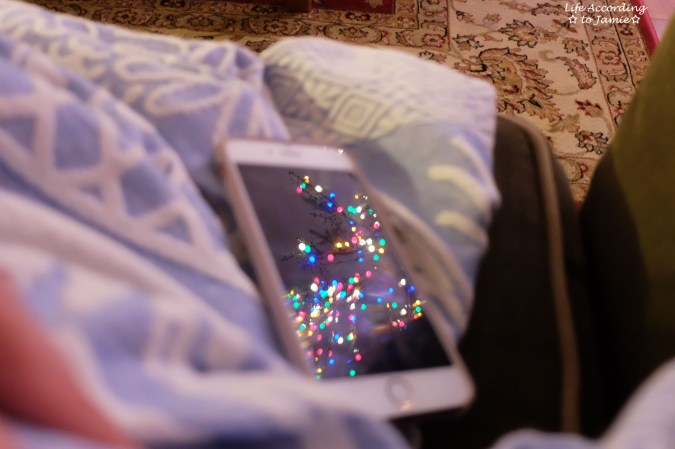 christmas-light-reflection-in-iphone