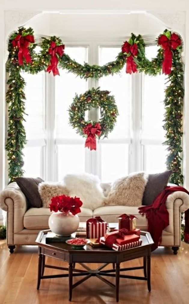 okay a dream of mine is to have garland that is adorned with lights this foyer area looks so pretty and cozy with the white lights streaming through the - Christmas Home Decor
