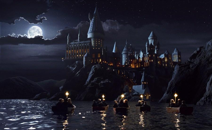 hogwarts_boats