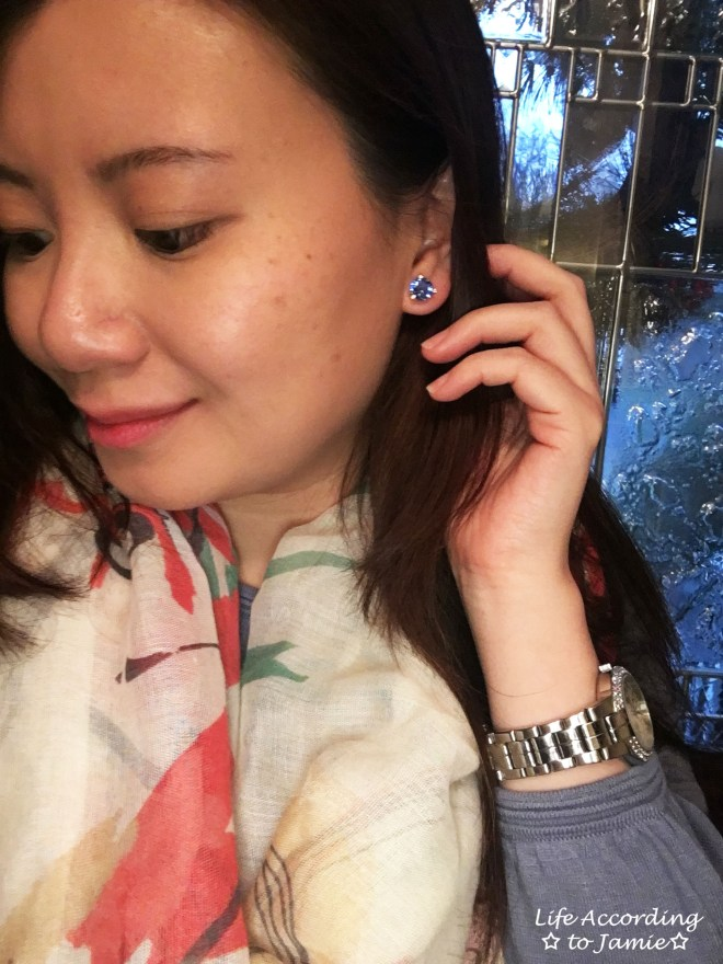 infinity-scarf-kate-spade-blue-studs