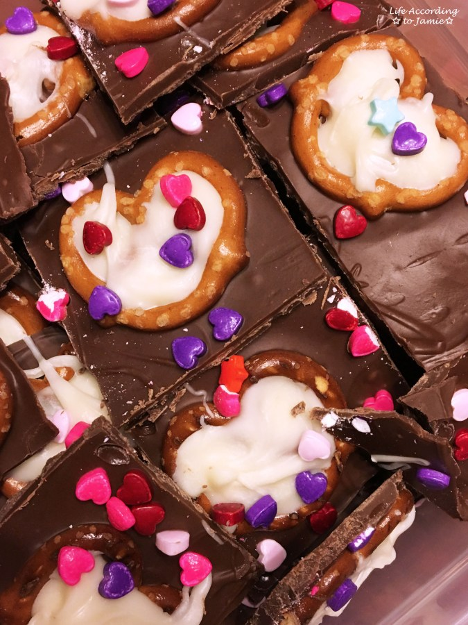 chocolate-pretzel-heart-bark-9