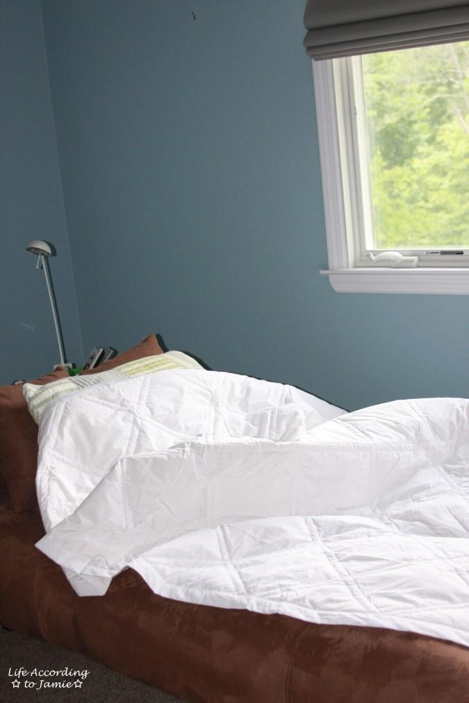 Downlite Bedding Comforter 1