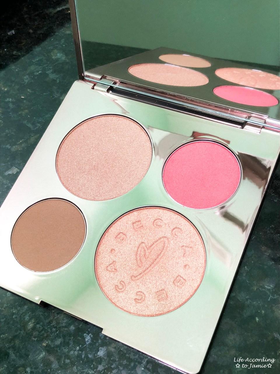 Becca x Chrissy - Glow Face Palette 1