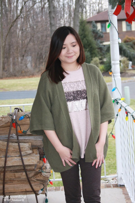 Sequins Stripe Tee + Khaki Chunky Knit 11