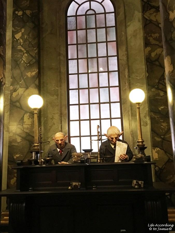 Universal Studios Orlando - Wizarding World of Harry Potter - Escape from Gringotts 1
