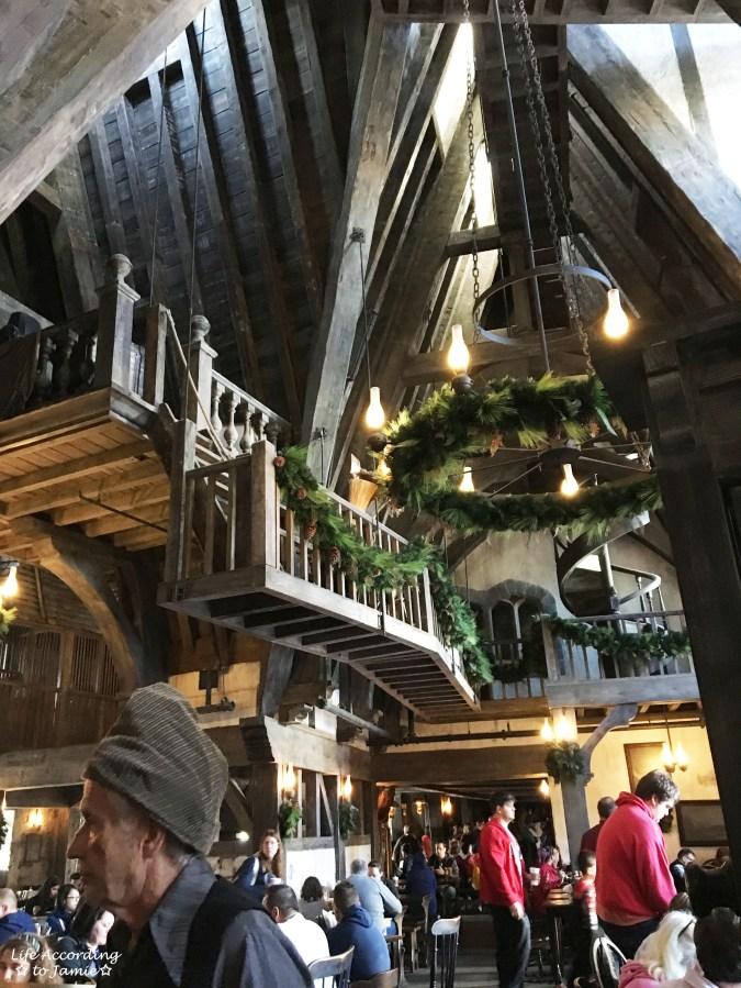 Universal Studios Orlando - Wizarding World of Harry Potter - Three Broomsticks 1