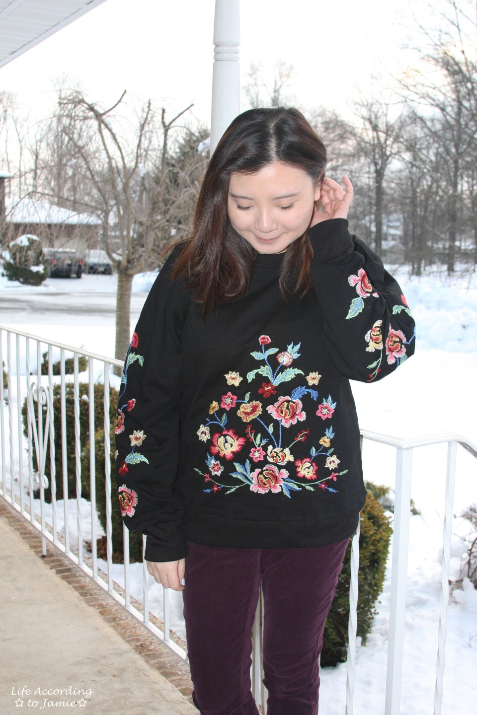 Floral Embroidered Sweatshirt 4