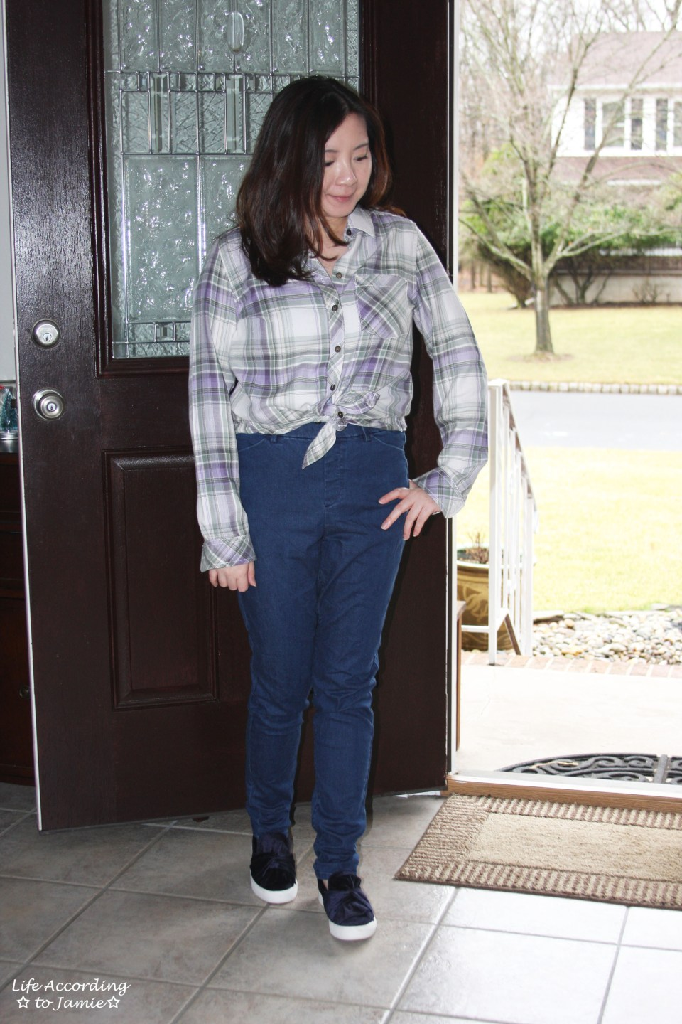 Tied Plaid Top + High Waisted Jeans 5