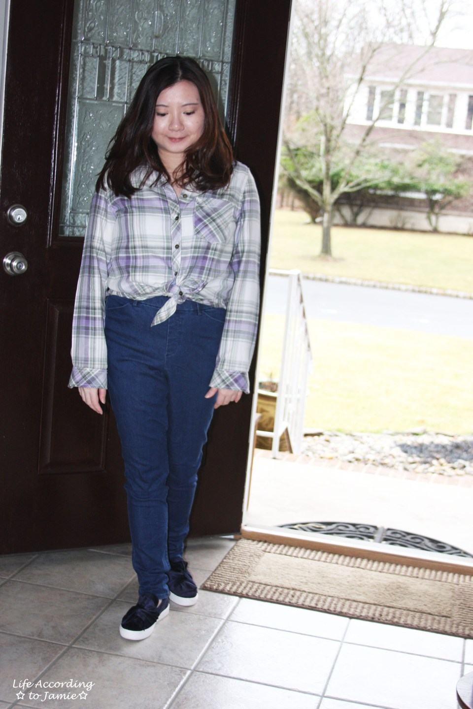Tied Plaid Top + High Waisted Jeans 7