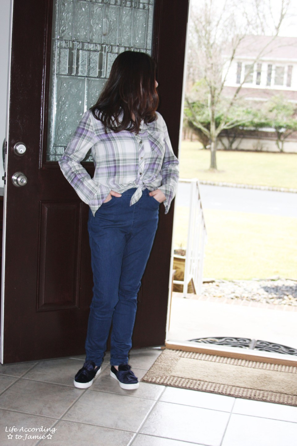 Tied Plaid Top + High Waisted Jeans 8