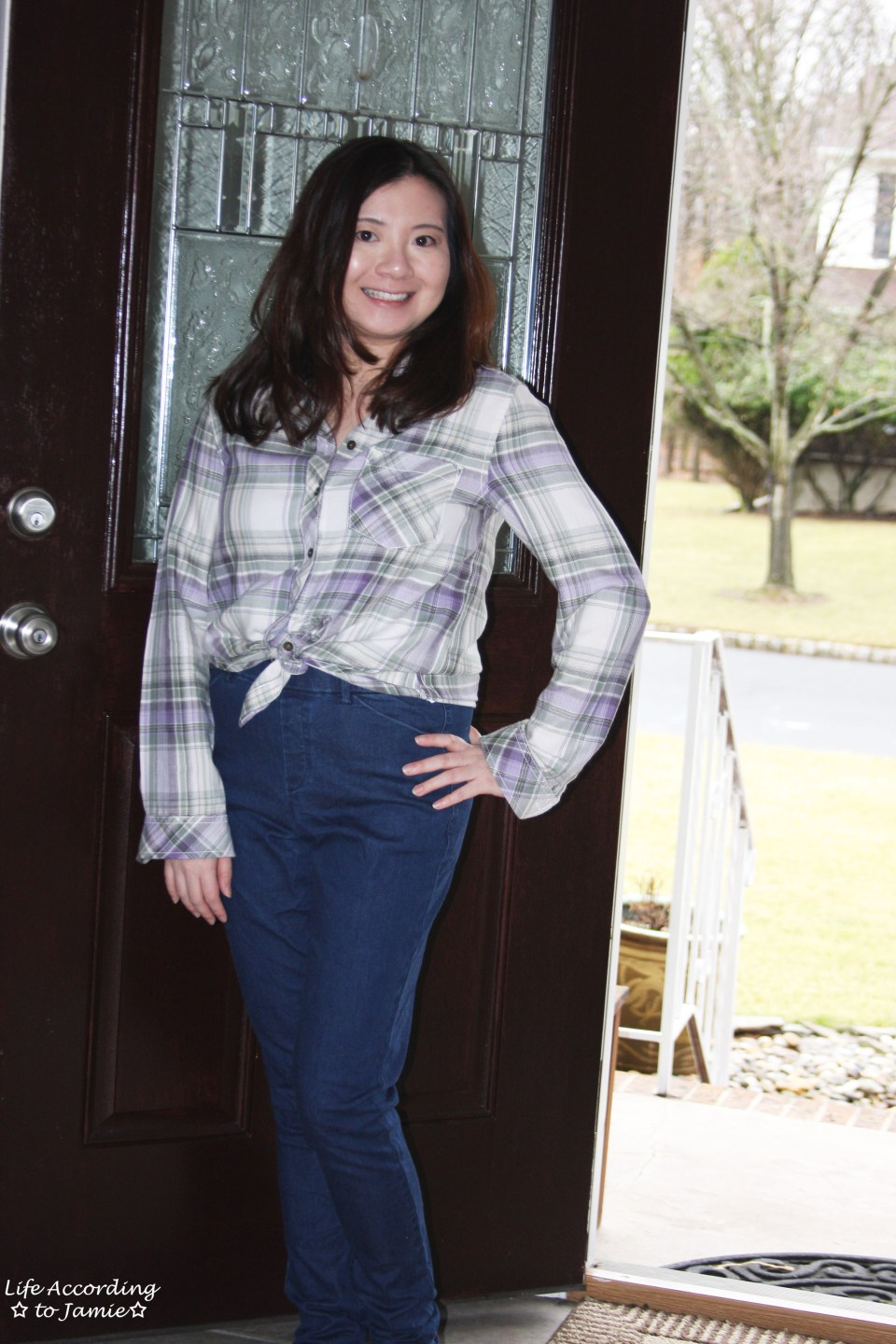 Tied Plaid Top + High Waisted Jeans 9