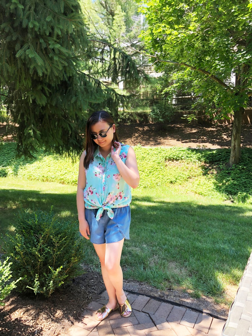 Floral Scalloped Trimmed Blouse + Tulip Shorts 6