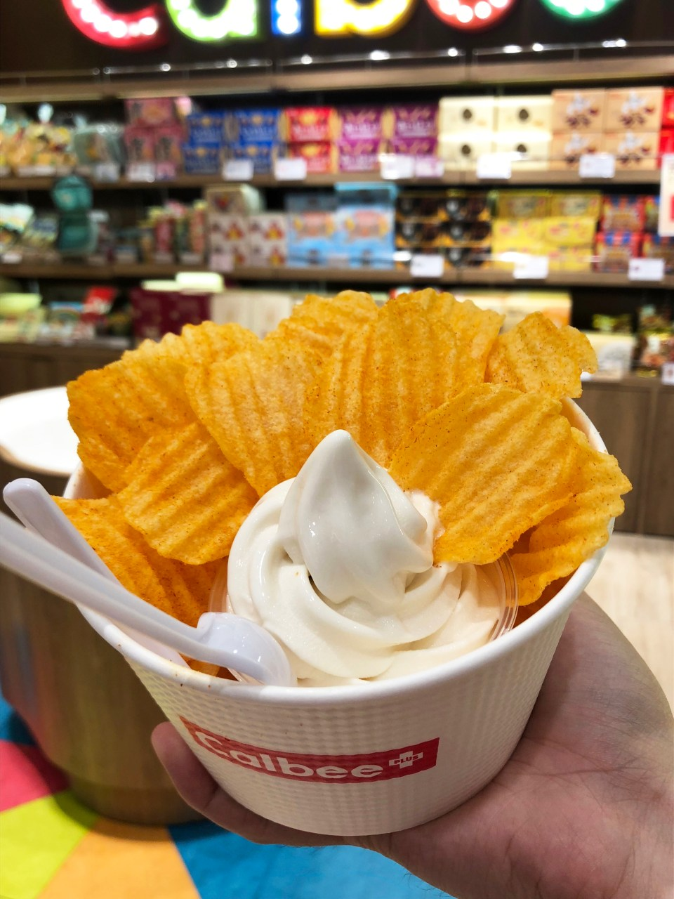Calbee - Typhoon Chips + Ice Cream 1