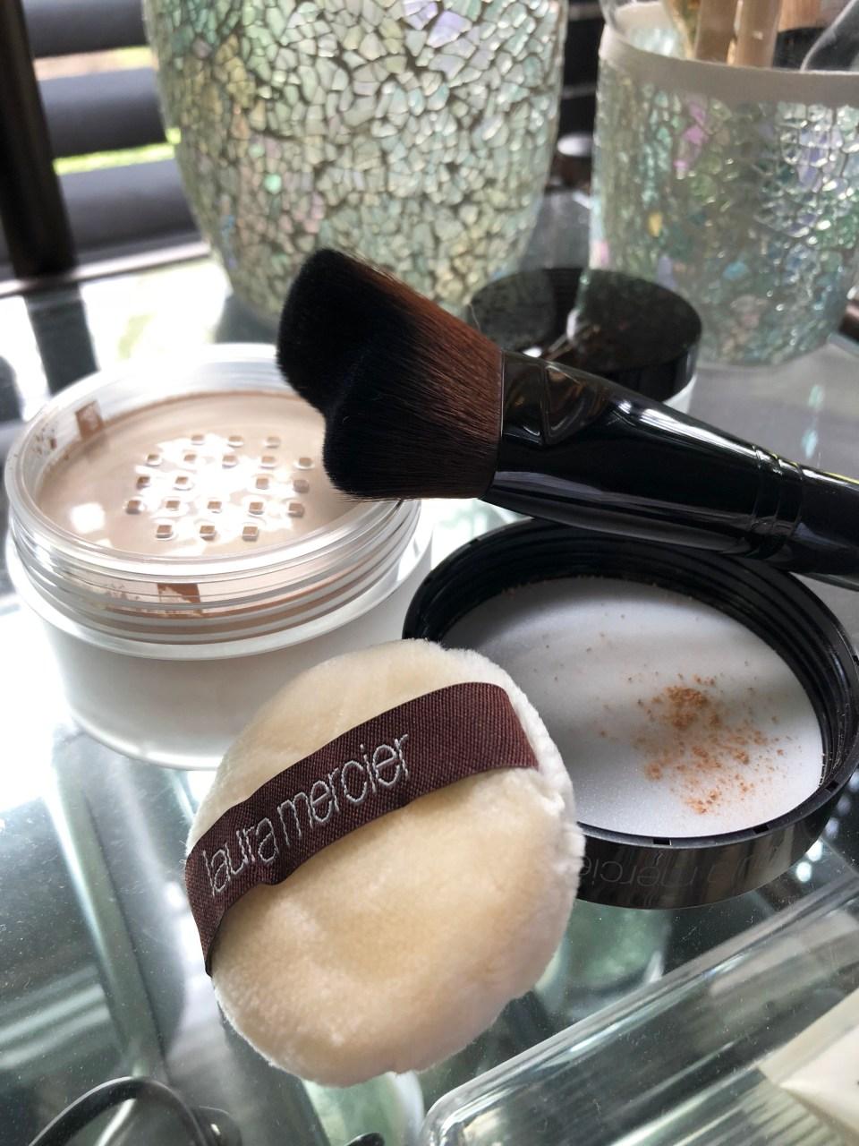 Laura Mercier Translucent Powder + brush 2