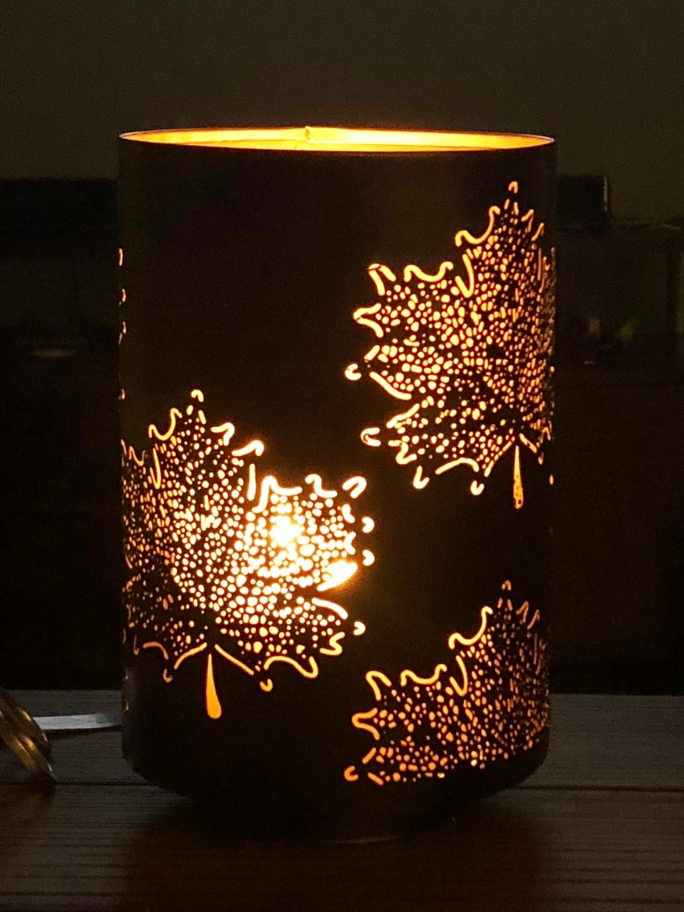 Leaf Candle Holder 1