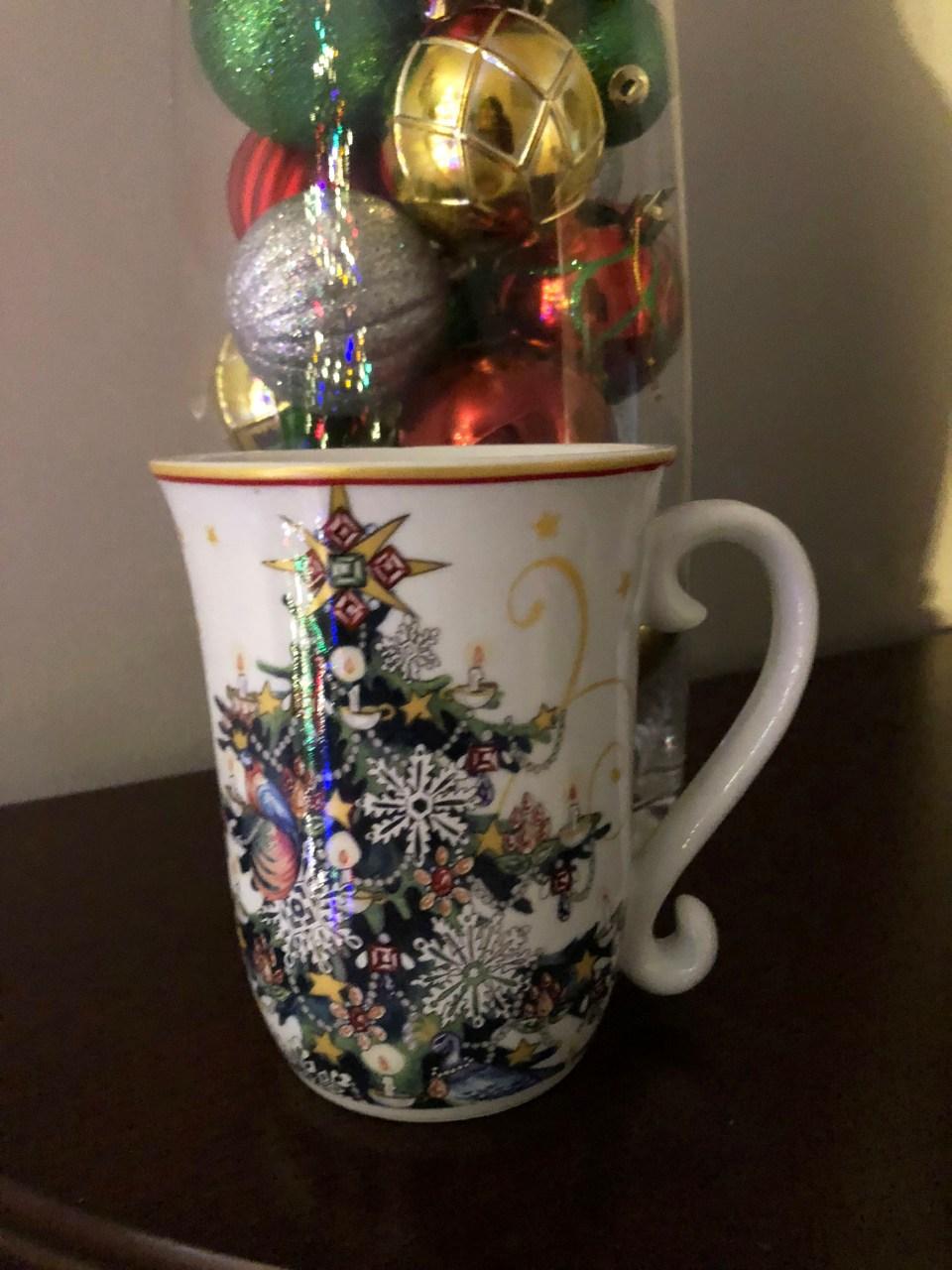 Christmas Tree Mug 1