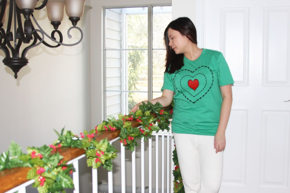 Grinch - Heart Two Sizes Too Small Tee + Teddy Leggings 6