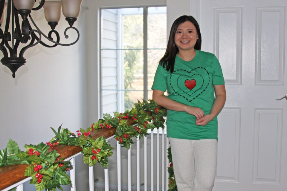 Grinch - Heart Two Sizes Too Small Tee + Teddy Leggings 9