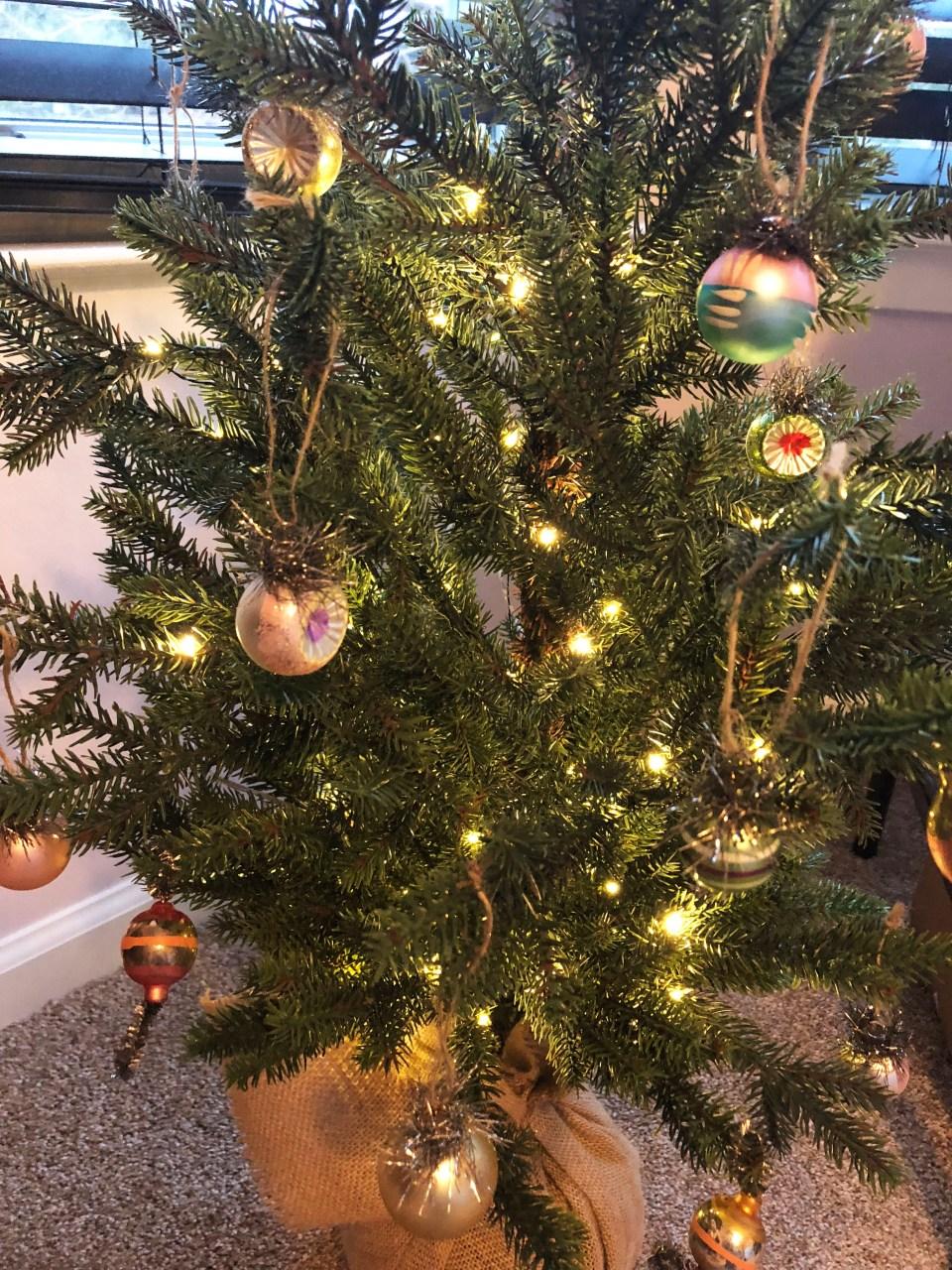Mini Christmas Tree + Vintage Ornaments 1