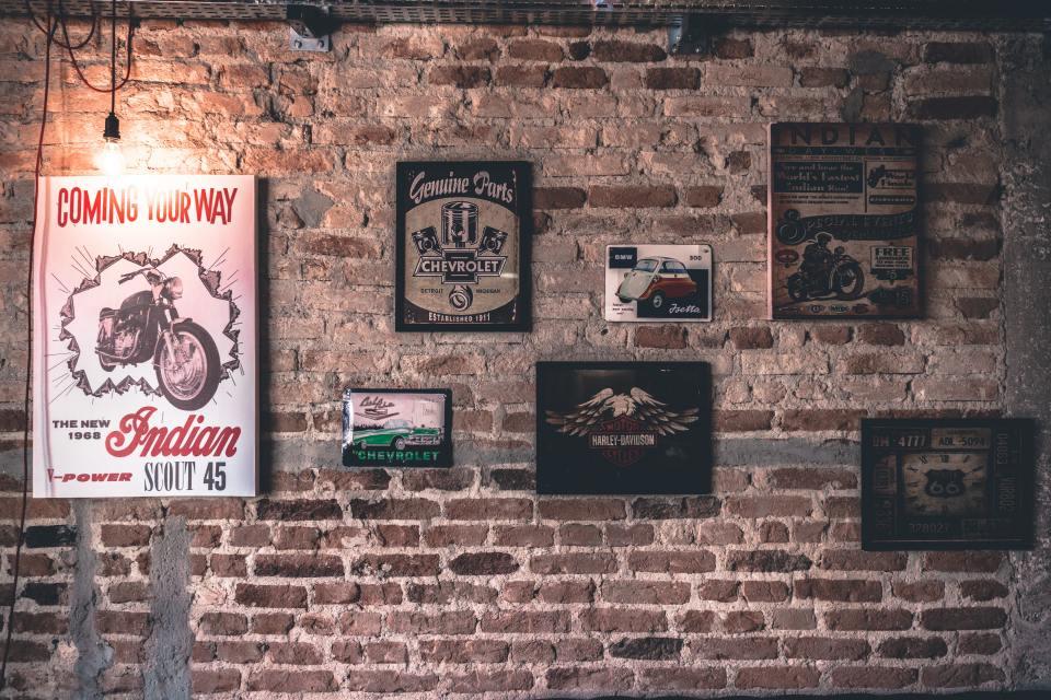 antique-brick-wall-bricks-331986