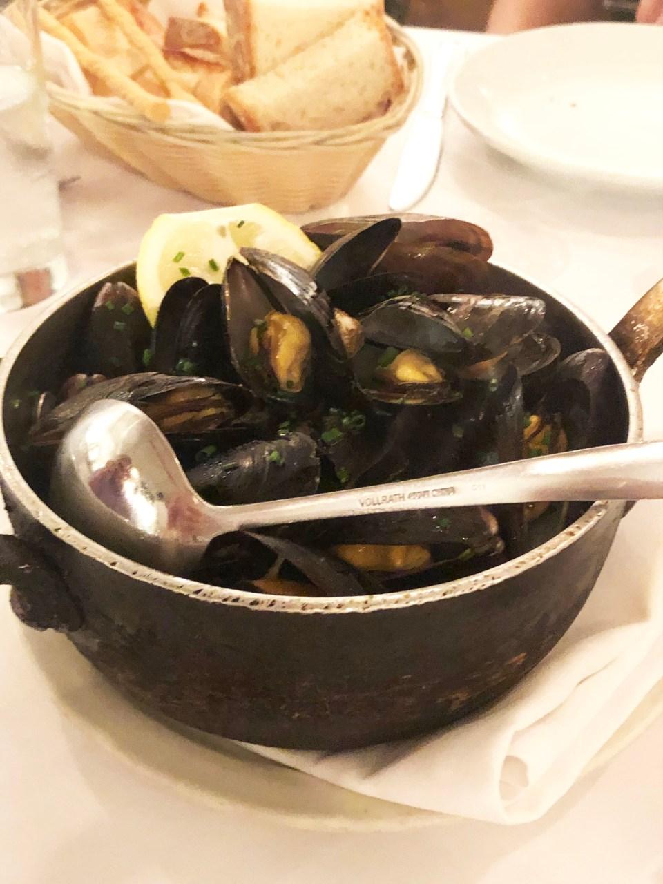 Basta Pasta - Black Mussels
