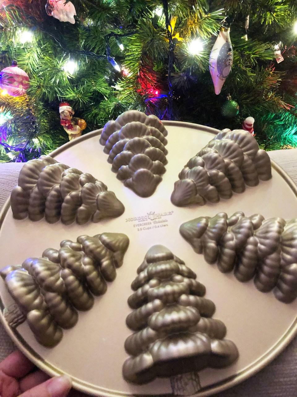 Christmas Tree Cakelet Pan