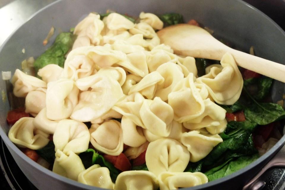 Tortellini w Spinach & Tomato 12