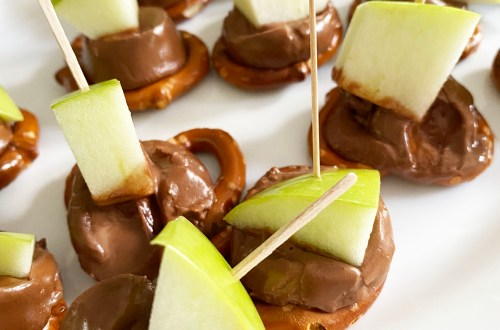 Apple-Chocolate-Caramel-Pretzel-Bites