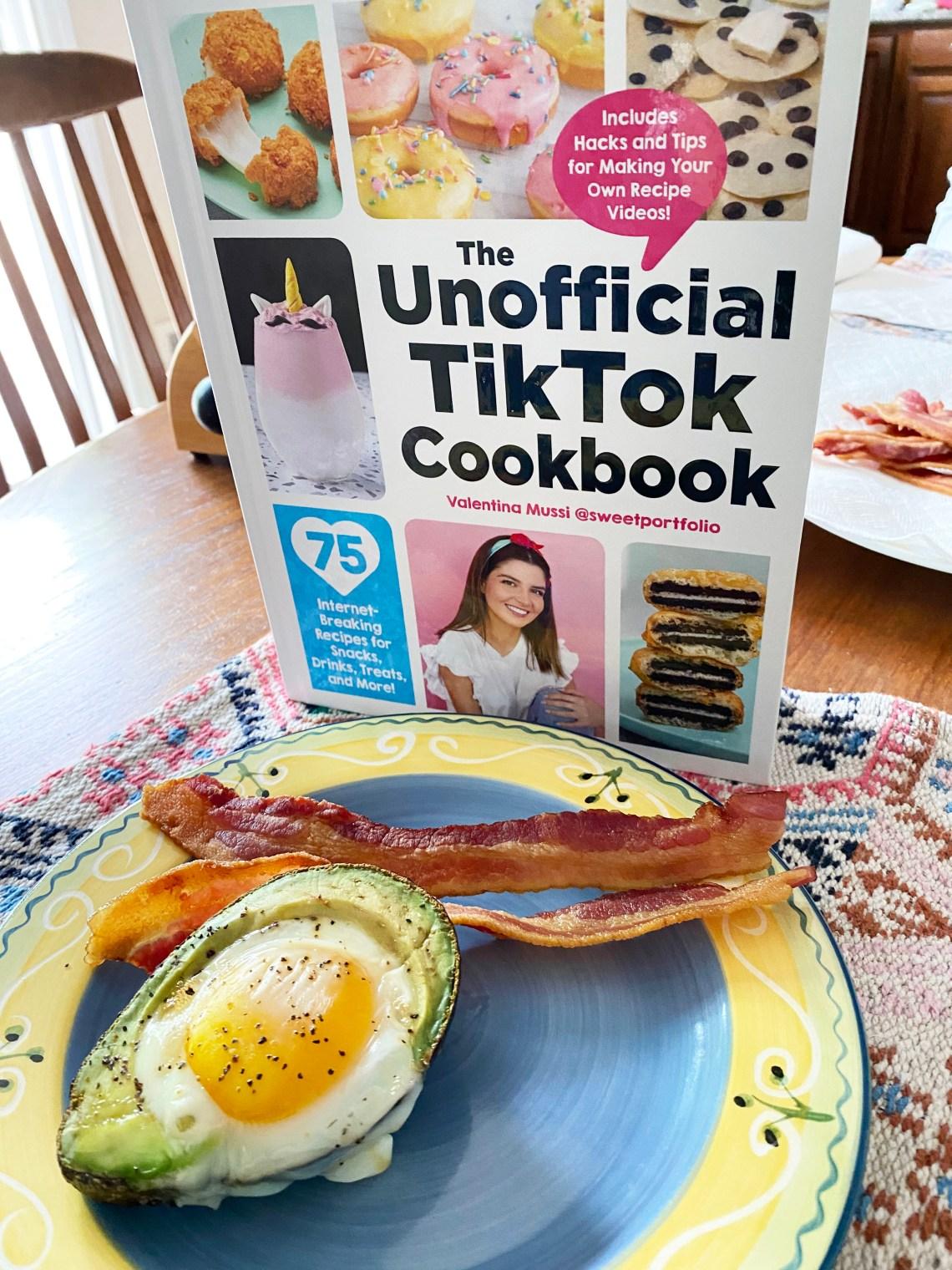 Baked-Avocado-Eggs