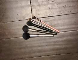 The Nasty Reality of WHY You Need to Wash Your Brushes 12