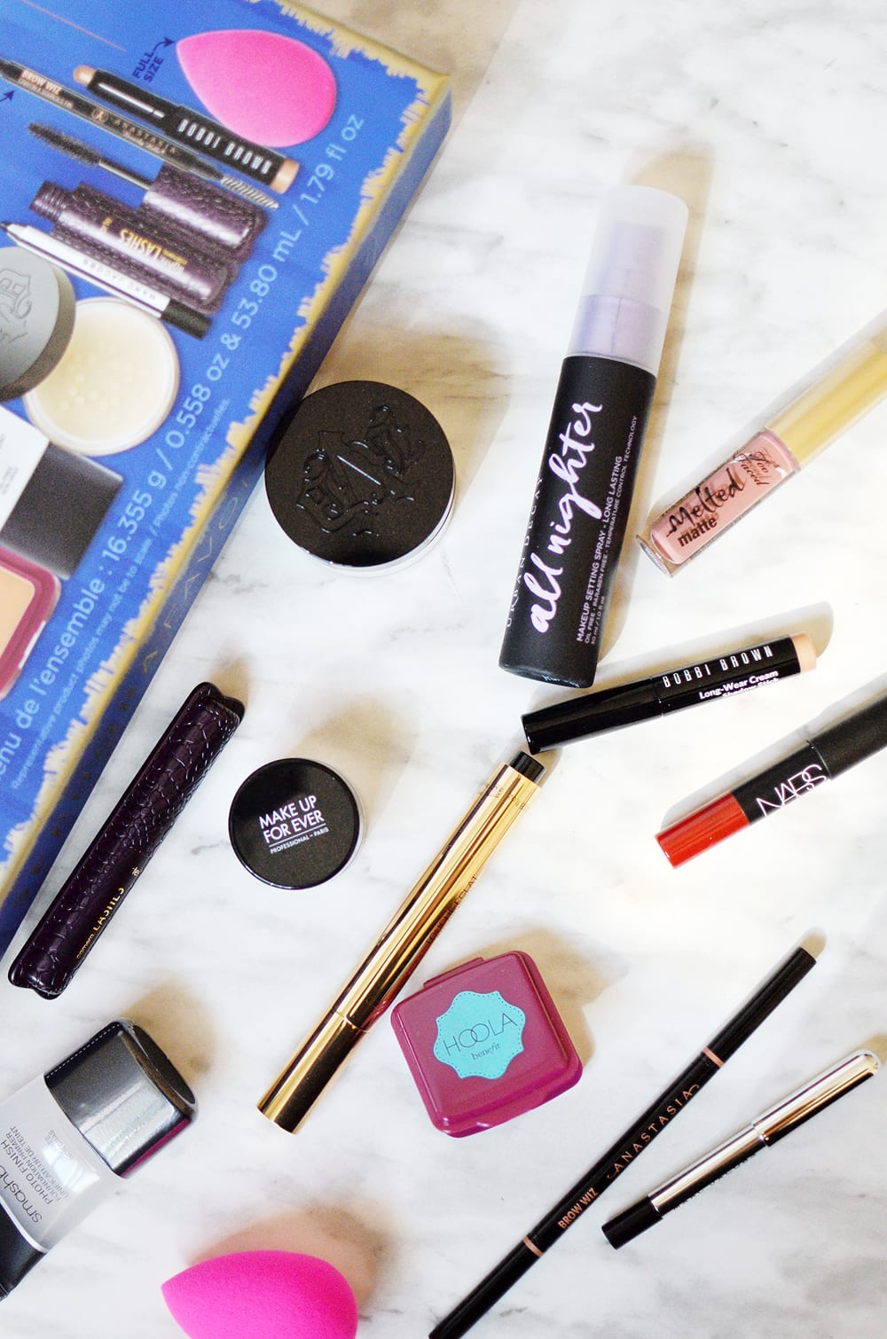 The 2017 Sephora Favorites Superstars Everyday Must Haves set comes jam-packed with everything for the face, eyes and lips with 10 mini's, 3 full-sized!
