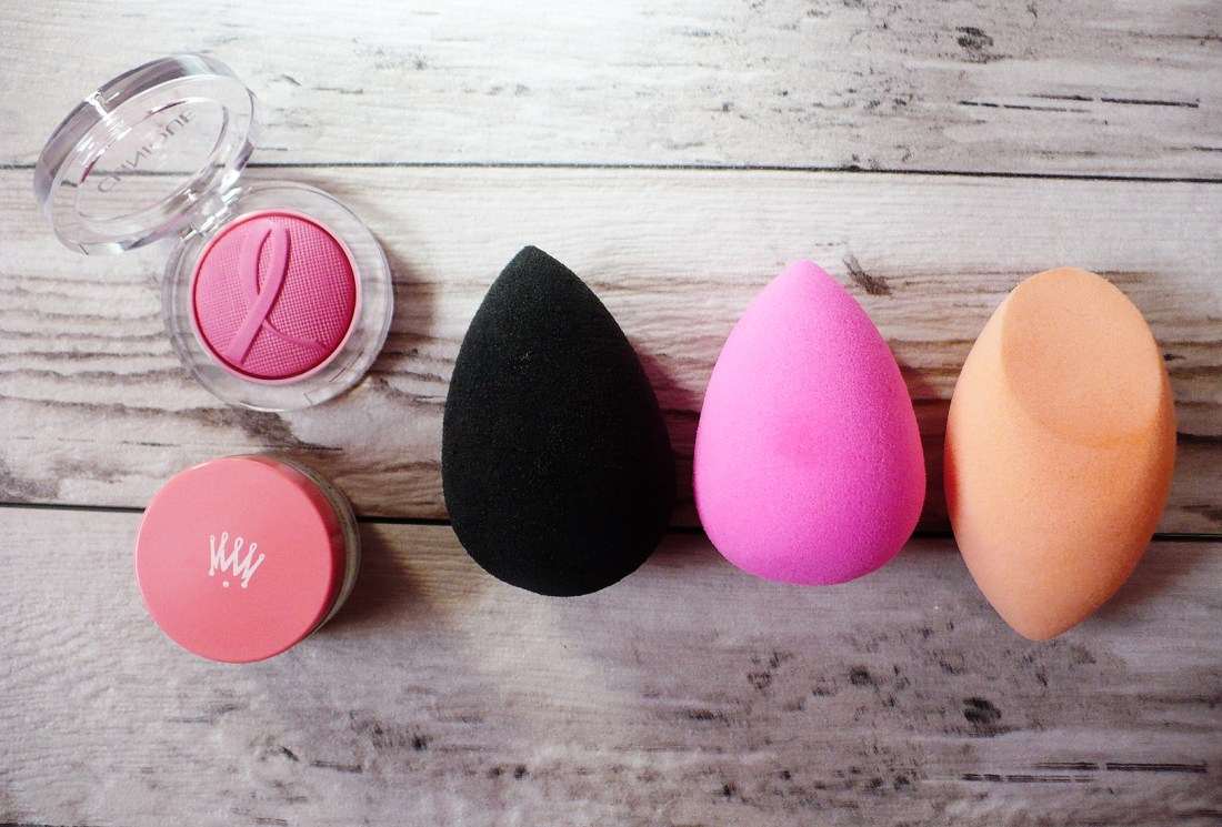 "Which ""beauty sponge"" rules them all? Here's a quick take on the two most popular sponges, the Beauty Blender and Real Techniques Miracle Sponge"