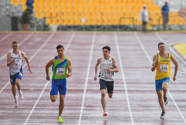 26 July 2017; Team Ireland's Colin Doyle, second from right, from Waterfall Cork, competing in the men's 200m, heat 3, during the European Youth Olympic Festival 2017 at Olympic Park in Gyor, Hungary. Photo by Eóin Noonan/Sportsfile