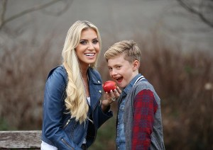 Pictured is Claudine Keane and son Robert Jr for the launch of SPAR's 2017 Better Choices Kids campaign! In time for the upcoming back to school season, the SPAR Better Choices Kids initiative aims to offer a range of convenient, healthy options from across the fresh food, deli and grocery ranges. The kid-friendly selection, which is packed with dietitian approved products, also caters for individuals with varying nutritional needs with gluten-free, low fat and high protein, products available. For further information, visit: www.SPAR.ie. Pic. Robbie Reynolds