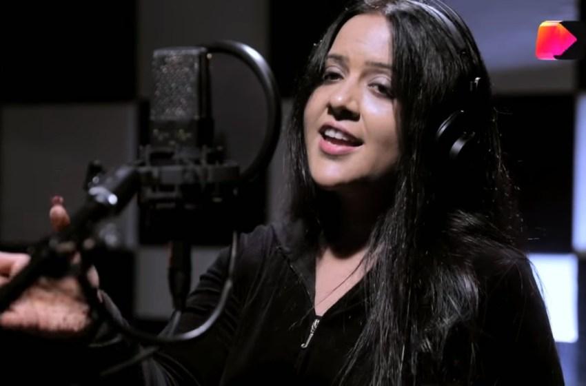 Amruta Fadnavis lends voice for Kehne Ko Humsafar Hai title track