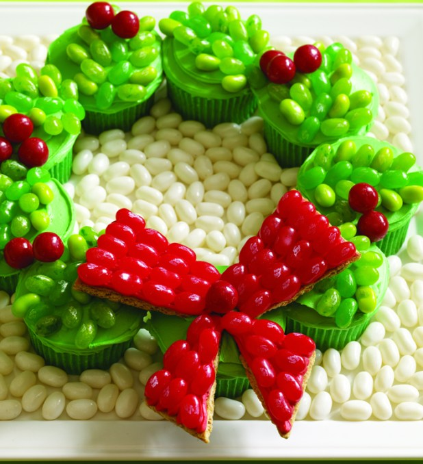 CupcakeWreath - Copy rs