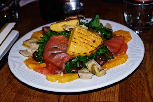 Smoked Scottish salmon with artichokes, rocket, olives and oranges