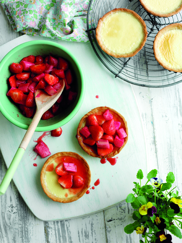 Rhubarb and strawberry tarts, served with ice cream rs