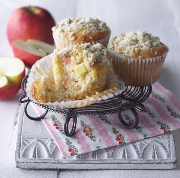 Pink Lady® Oaty Crumble Apple Muffin 2 inpost
