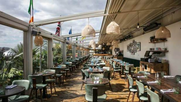 www.lifeandsoullifestyle.com – Summer rooftop bars to chill on