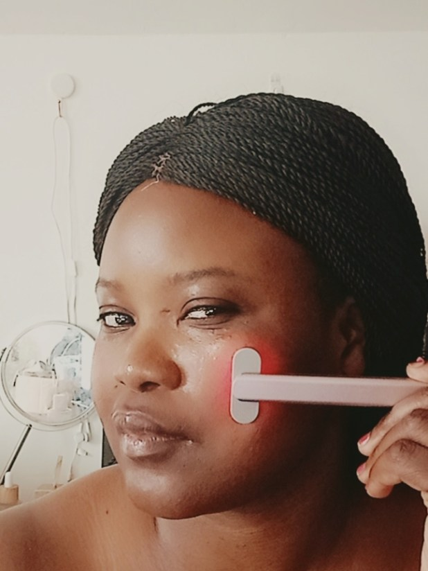 www.ifeandsoullifestyle.com - Solawave Wand review
