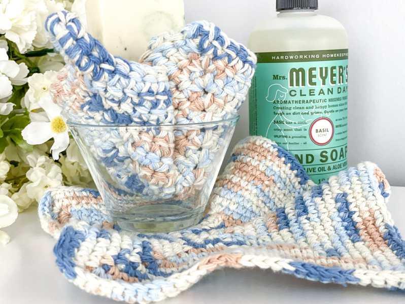 Easy single crochet washcloth pattern