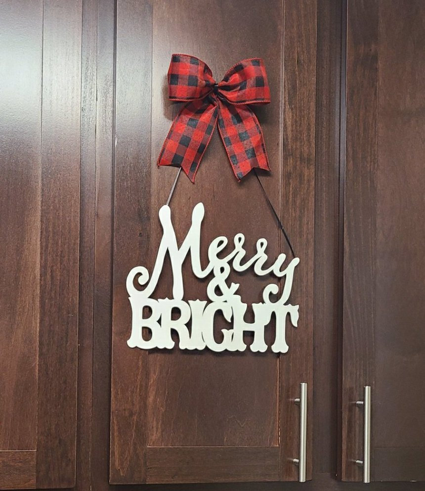 Merry and Bright Christmas kitchen decor