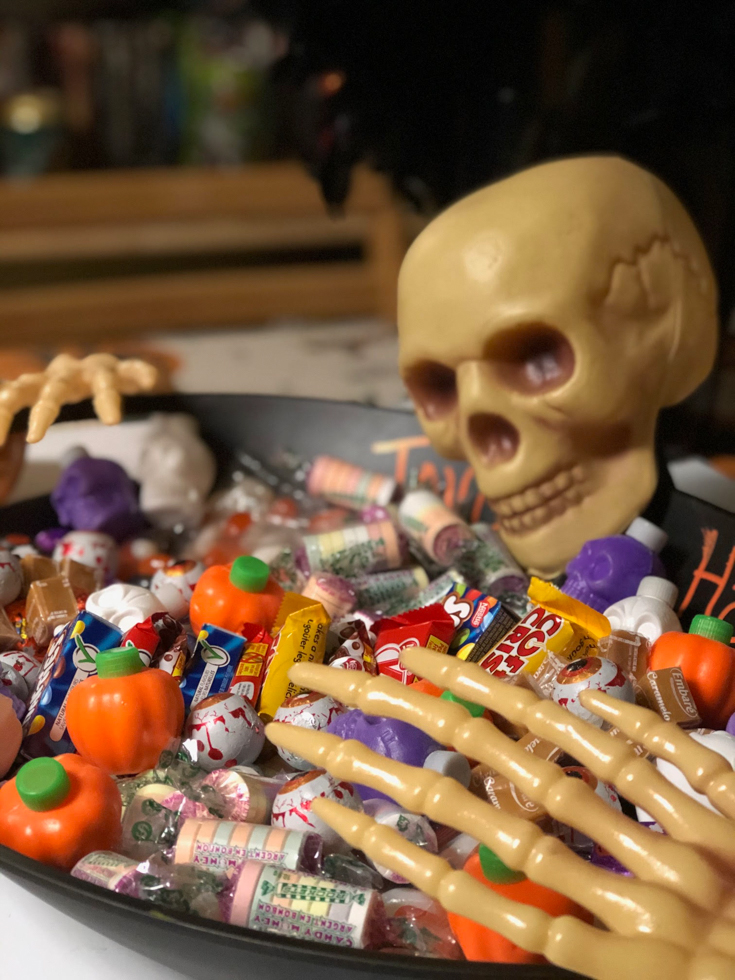 TJW 9-30 Niki's feature Halloween-Cahcuterie-Board-for-kids-16